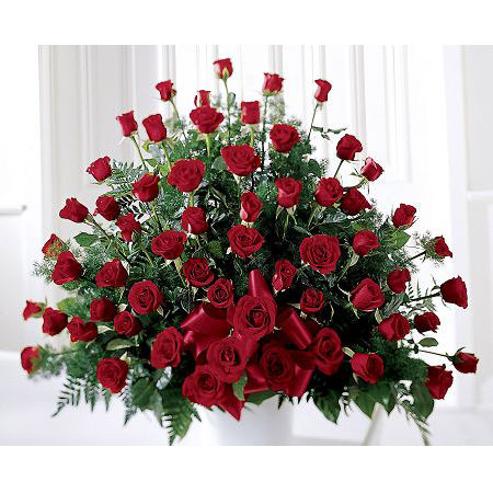 Splendid Red Rose Arrangement